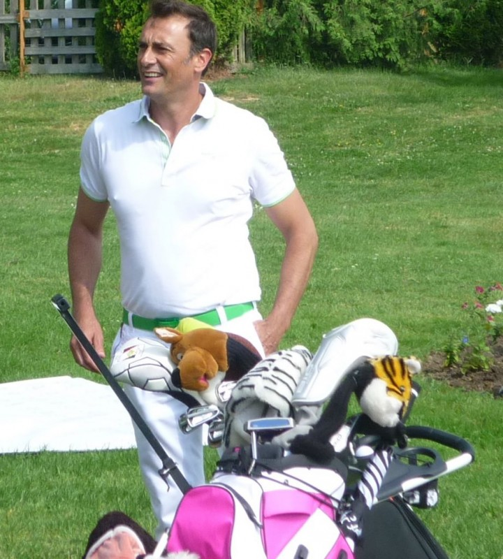 Le comique Arnaud Gidoin ce matin au golf d'Epinal