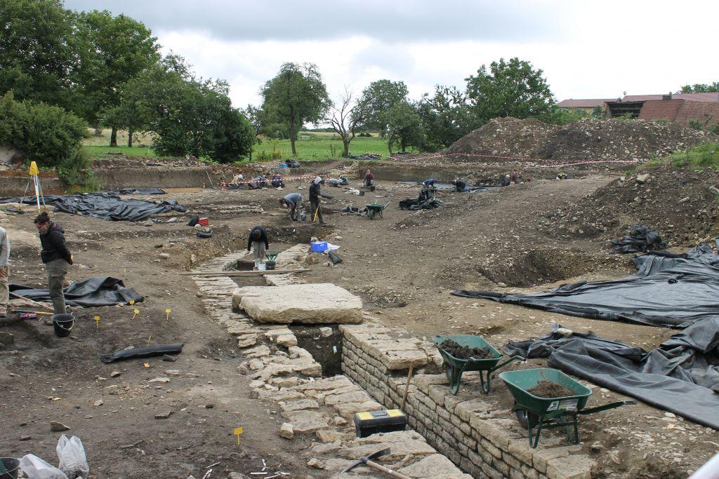 fouilles-archeologiques-grand