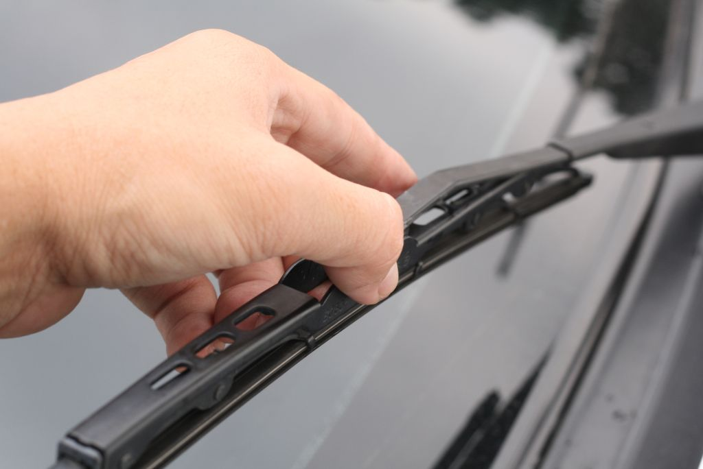 Change-the-Wiper-Blades-on-Your-Car-Step-11