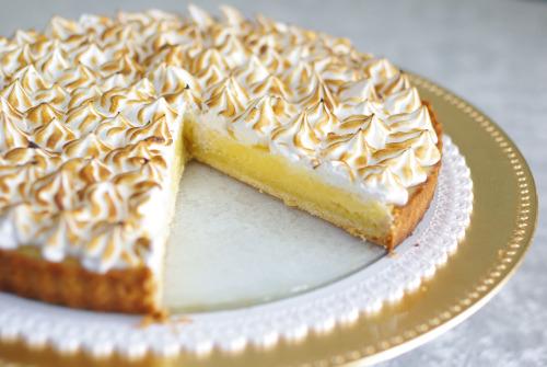 tarte-citron-meringuee-dessert