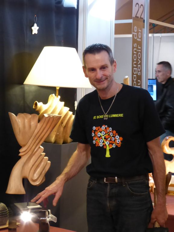 Jean- Marie Escoffres, sculpteur sur bois