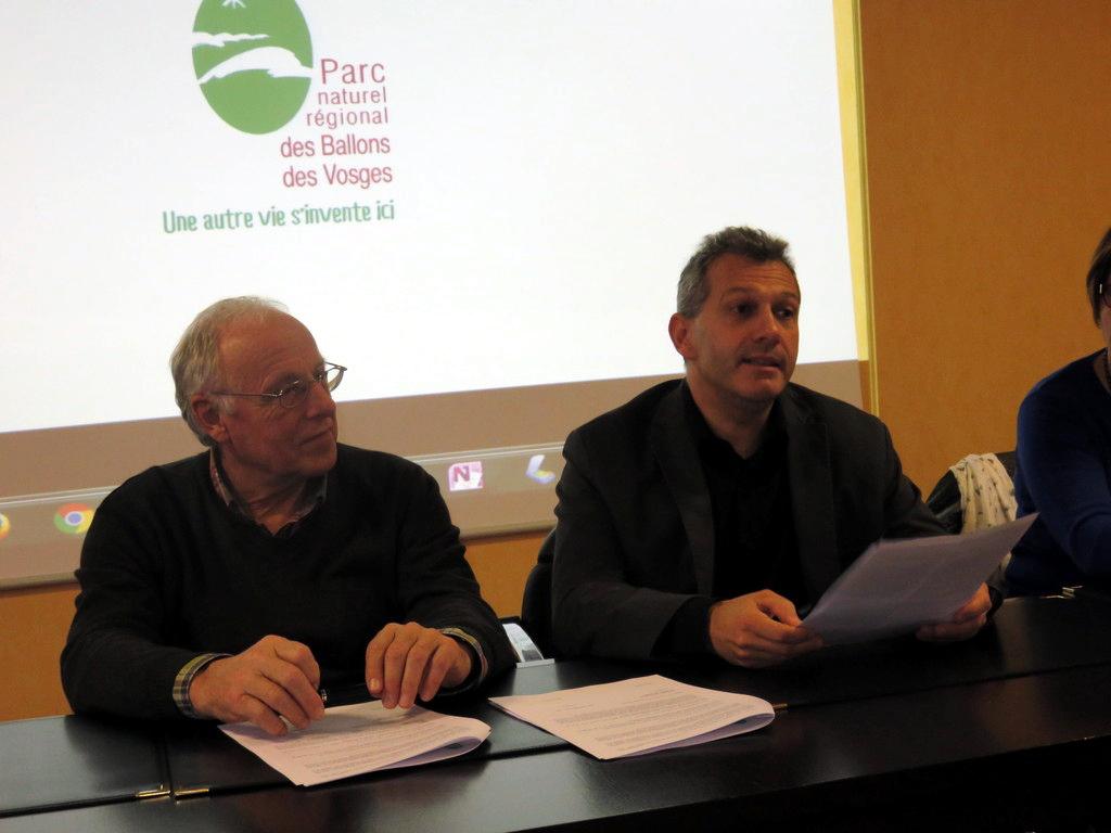 Jacques Valentin & Laurent Seguin lors de la signature de la convention unissant leurs deux structures