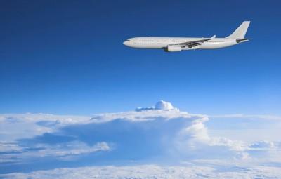 Ciel-bleu-avion-avion-nuages1