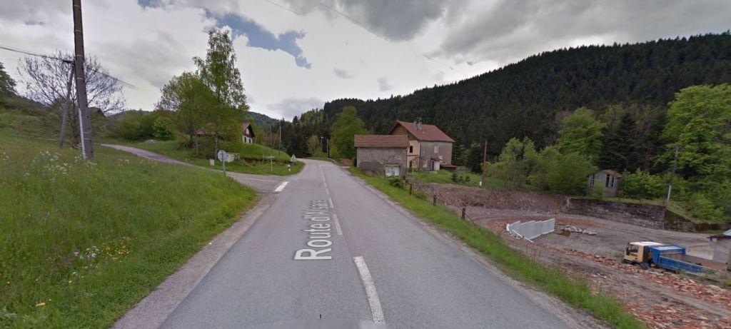Le début du chemin du Rupt-sur-Moulin (à gauche) en montant vers le col d'Oderen.