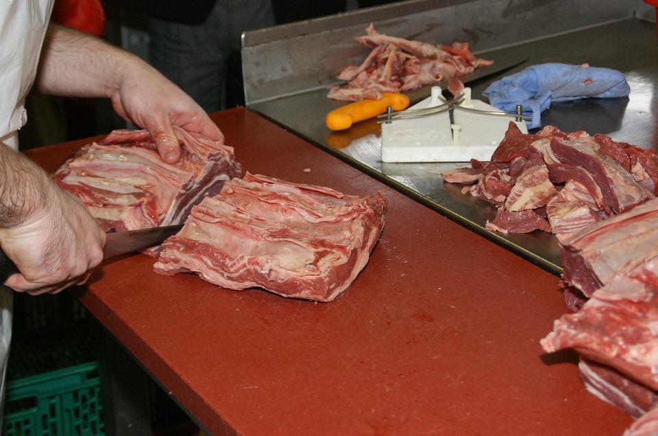 boucher-viande-couteau