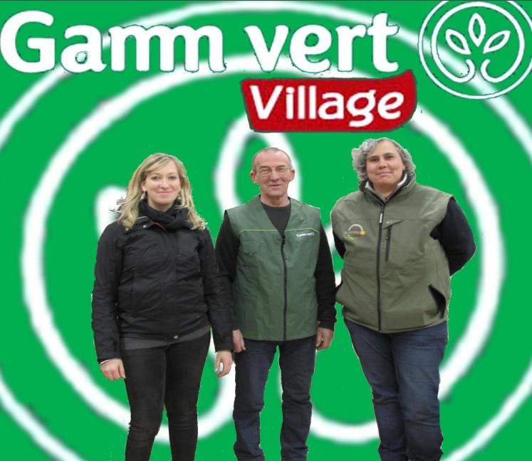 La future équipe du magasin, dans l'ordre Stéphanie Bertrand (a gauche), Stéphane Hivert ( au centre ) , Maryse Valentin ( a droite ).