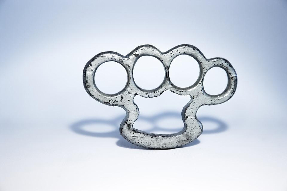 brass-knuckles-1258994_960_720