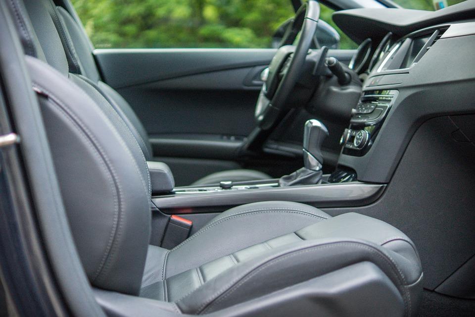 voiture-intérieur