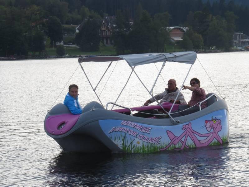 Présent jeudi soir en qualité d'élu et de batelier, Eric Defranould avait lui aussi pris le train en marche avec son bateau de tourisme électrique à Énergie solaire
