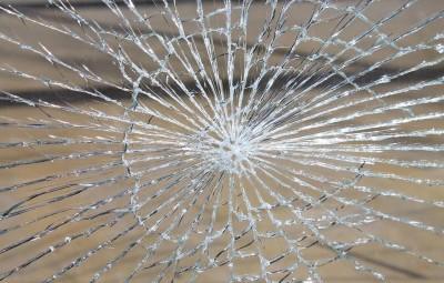 glass-breakage-286098_960_720