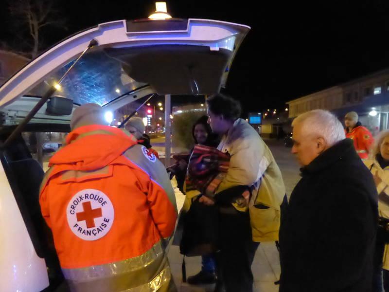 Des maraudes ont lieu à Epinal. La Crois-Rougient vient en aide aux plus démunis.
