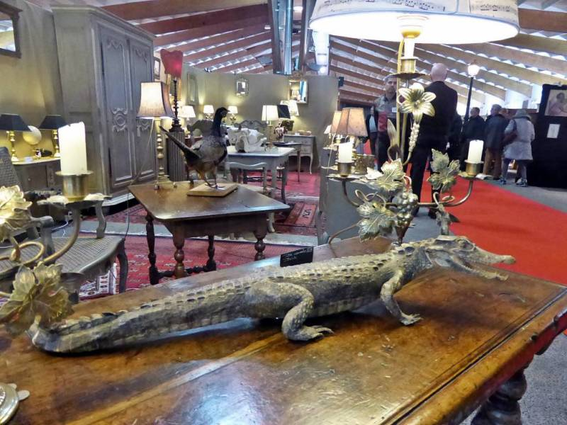 Une exposition sur la bi re au 32eme salon des antiquaires for Salon antiquaires 2017