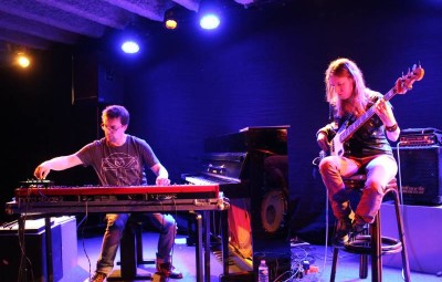 Trio Electrique - piano basse-1