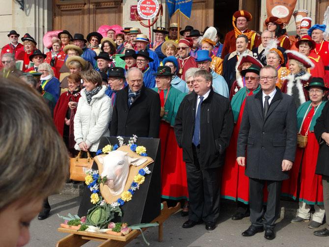 (photographie www.confreriedescochoneuxdelaseille.com)