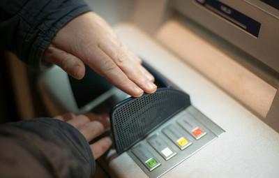 carte-de-credit-distributeur