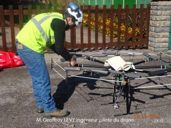 04-Le-pilote-du-drone