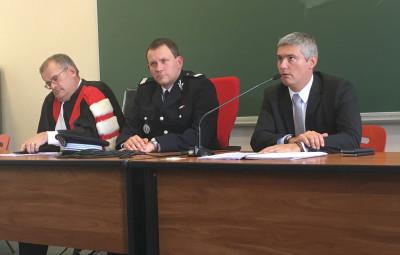 le Doyen Gartner, le capitaine Hel et le directeur de cabinet du préfet des Vosges, François Rosa