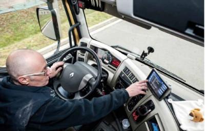 Un exemple d'action : la télématique embarquée (ici, dans un autocar de l'entreprise Marcot). Elle permet notamment d'améliorer le suivi des consommations.