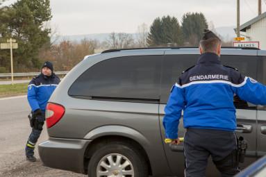 controle-gendarmerie-arches (5)
