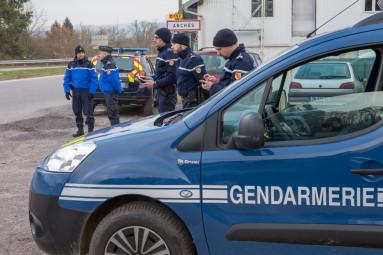 controle-gendarmerie-arches (9)