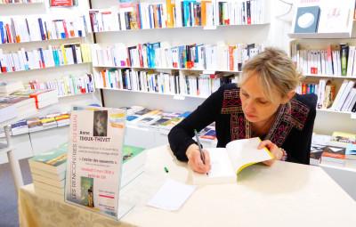 Anne Idoux-Thivet-dedicace-quai-des-mots-epinal (5)