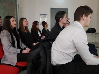 étudiants assis