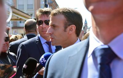 Emmanuel Macron dans les rues de Saint-Dié