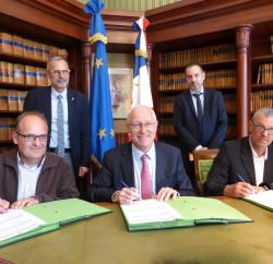 signature-contrat-parcours-emploi-competences-epinal-vosges (1)