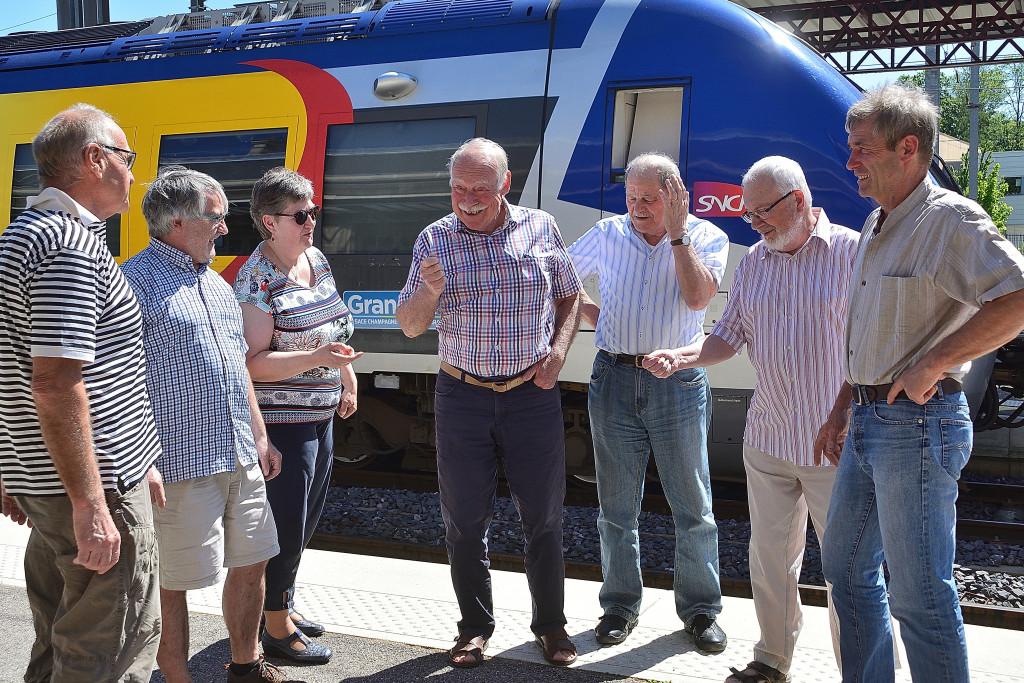 Des membres du collectif de défense de la ligne Epinal – Saint-Dié-des-Vosges se sont réunis ce lundi après-midi à la gare de Saint-Dié-des-Vosges