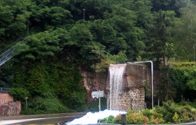 une-fontaine-vieux-moulin-mousse.4jpg