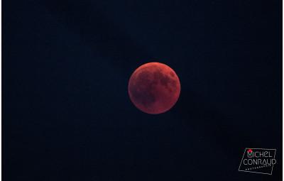 Eclipse de lune 22 h 07 à Dogneville
