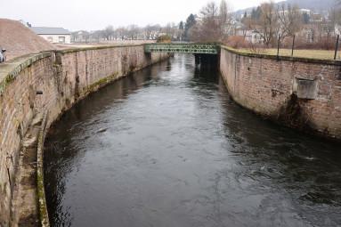 Canal-en-aval-de-la-centrale-HydroÉpinal-