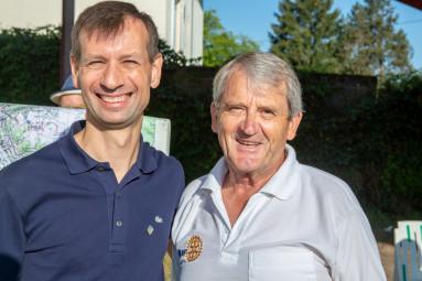 l'ancien et le nouveau président du Rotary