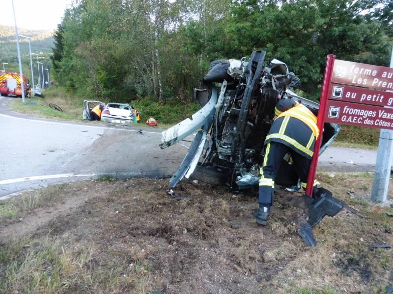 Le 13 août, Une voiture attelée d'une remorque se dirigeait sur la voie de contournement vers Cornimont. Elle a été percutée par un autre véhicule qui tournait au même moment, également en direction de Cornimont.