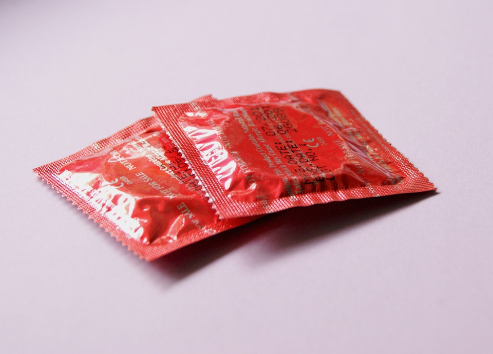 red-condoms-849407_960_720
