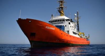 (photo http://www.france-petitions.com/petition/618/l-aquarius-le-navire-de-l-ong-pro-migrants-sos-mediterranee-doit-etre-saisi)