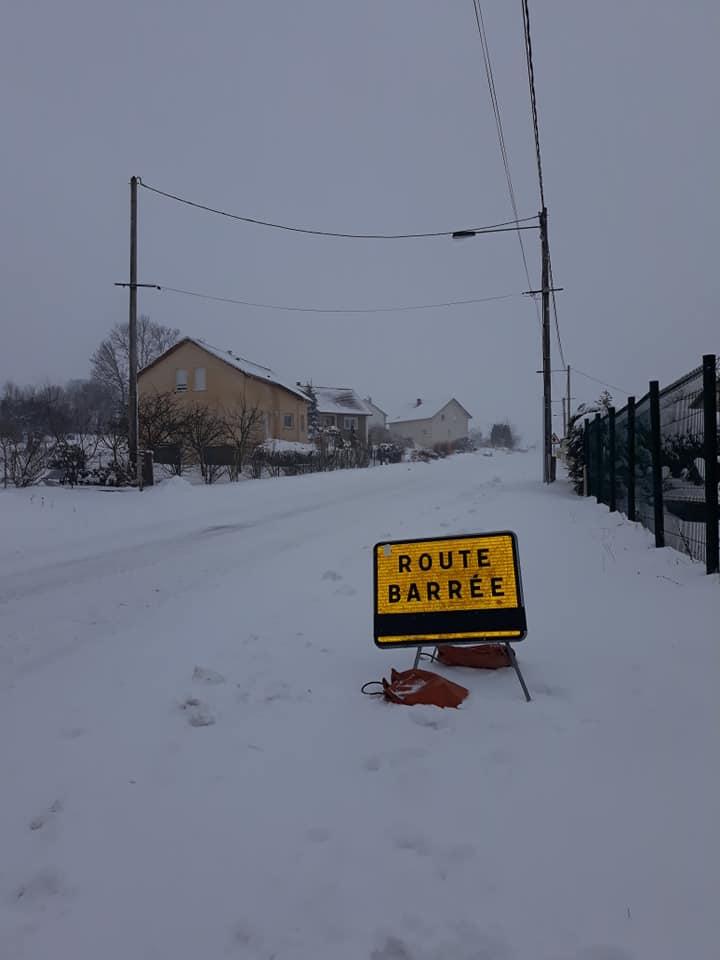 neige-route-barree2