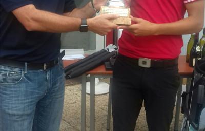 Un des temps forts de la saison. Noé Labourier remporte le challenge du Président que lui remet François Hauberdon.