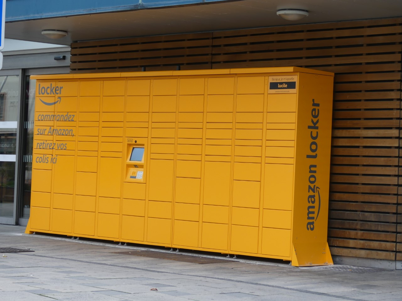 thumbnail_Amazon-Locker