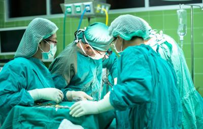 hopital-bloc-operatoire-medecins2