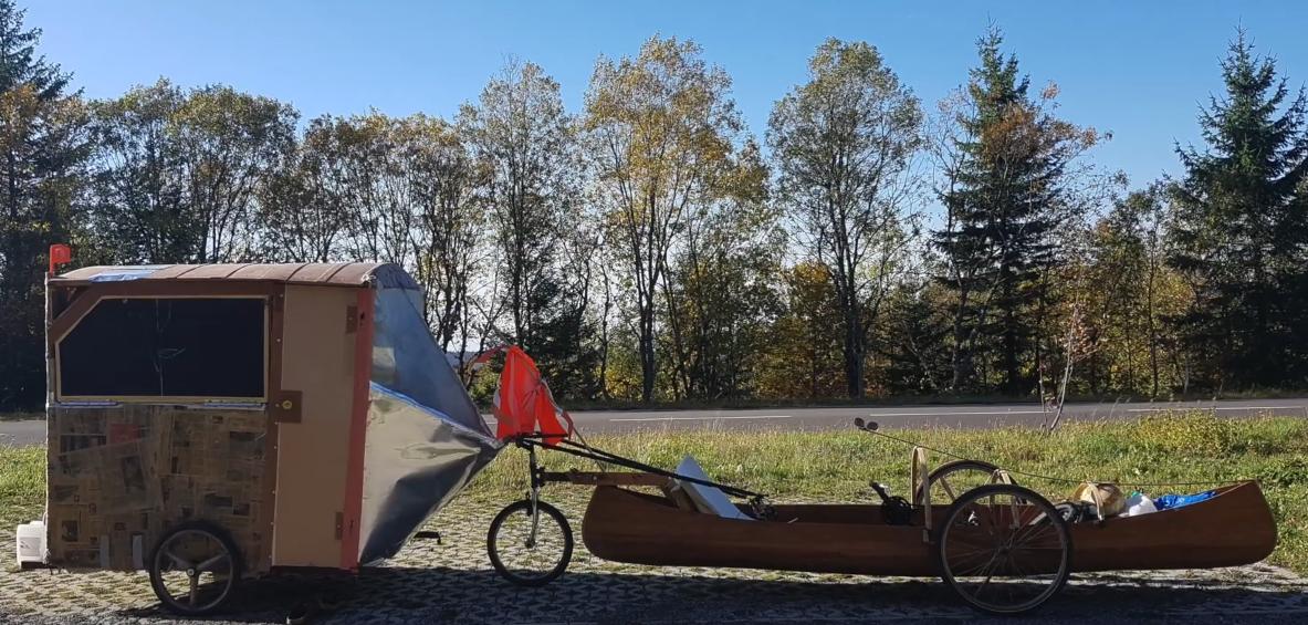 Le vélocanoë de Félix, son moyen de transport et son appartement !