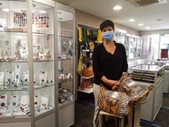 Nathalie Weiss gérante de la boutique Bleu Turquoise