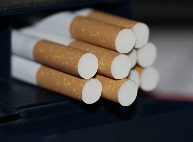 cigarettes-383327_1920