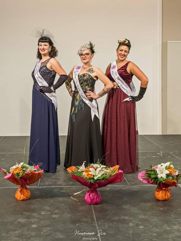 La Déodatienne Lexi Sagora (au centre) a été couronnée Miss Pin-Up Grand Est ce week-end. (Photographie Lionel Thiriat – Numéro Six)