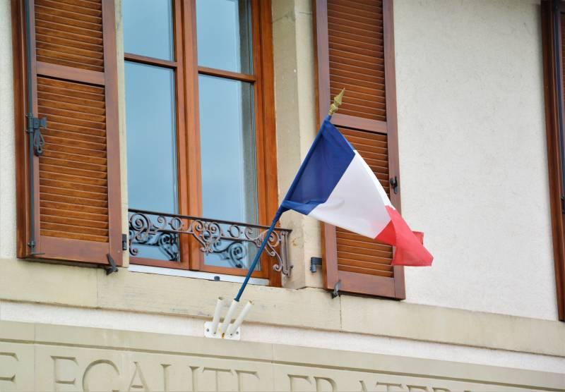 Vosges : ils décrochent les drapeaux de l'UE devant les mairies