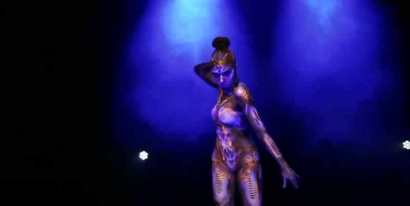 melodie-golle-danse-bodypainting-les-imaginales-epinal